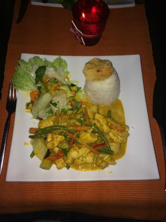 Restaurant Serai: Malaysischer Curry aus Hähnchenbrustfleisch