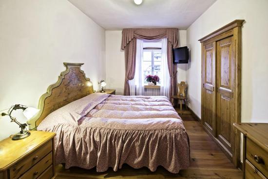 Hotel royal cortina d 39 ampezzo italie voir les tarifs for Hotel meuble royal cortina