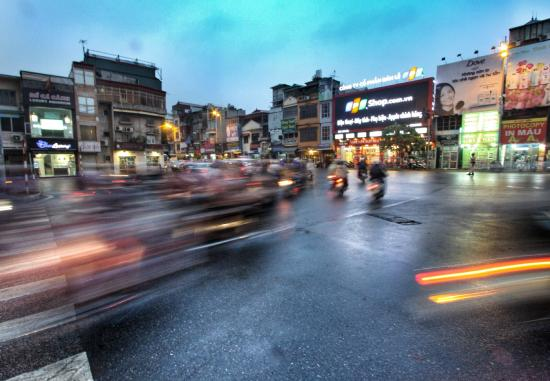 VietnamStay: Saigon street