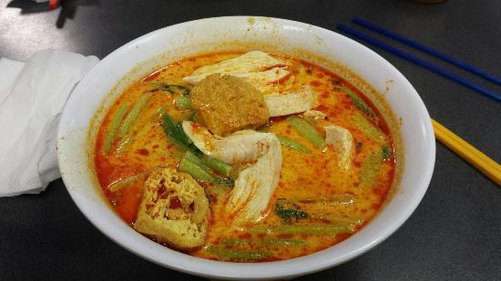 Malay Chinese: Laksa de frango.