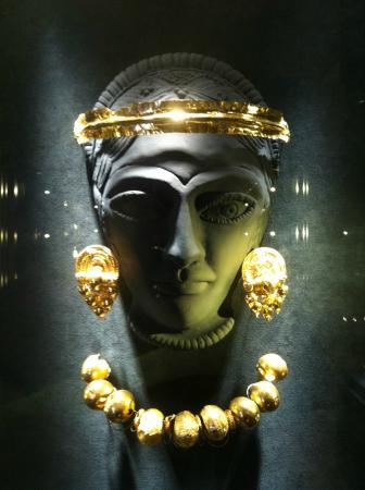 Museo Archeologico Nazionale: Ori nel Museo Archeologico di Ferrara