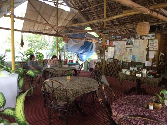 Green Woods-Bethlehem: The rooftop eating area