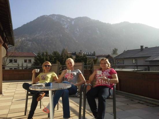Pension Frankenhof: Наш балкон с видом на Альпы