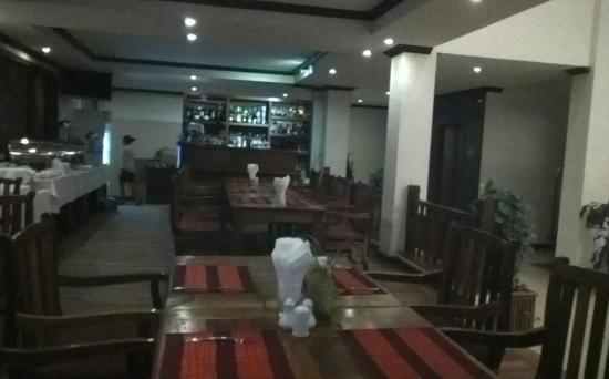 Cheathata Angkor Hotel: dining room