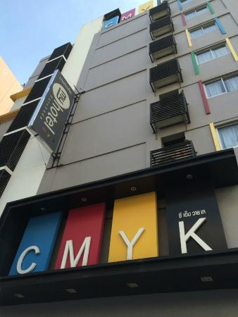 Myhotel Cmyk@Ratchada: Day view of hotel