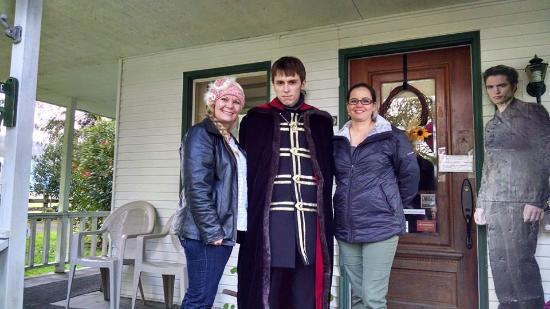 """Miller Tree Inn Bed & Breakfast: """"Alec"""" of the Volturi happened to be staying at the inn too."""