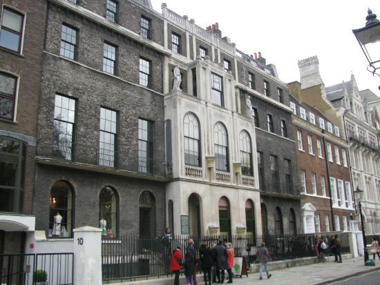 Musée Sir John Soane : Front of Soane Museum November 2014