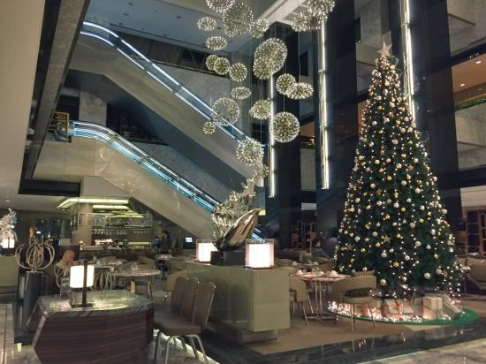 renaissance shanghai yangtze hotel hotel lobby christmas decoration - Hotel Christmas Decorations
