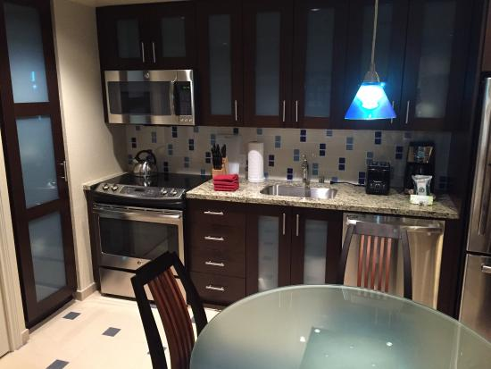kitchen dining table in one bedroom unit picture of marriott s rh tripadvisor com