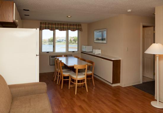 Green Harbor Resort: Cottage 29 kitchen