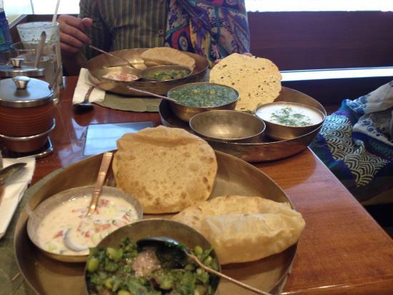 Soam: oondhiyo and kichdi