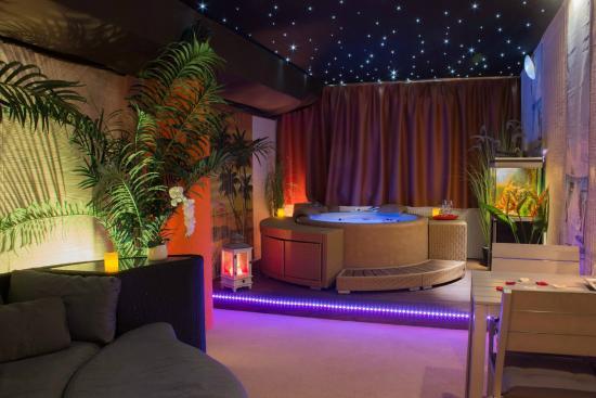 Bora bora picture of oasis spa centre wellness for 18 8 salon locations