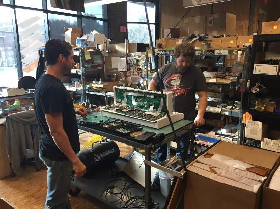 Moog Music Factory Tour: Hand Made - Voyager