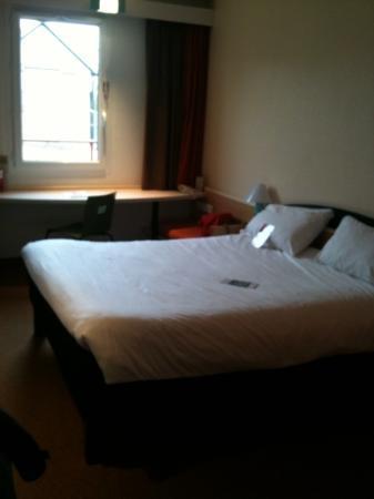 Ibis Honfleur: chambre