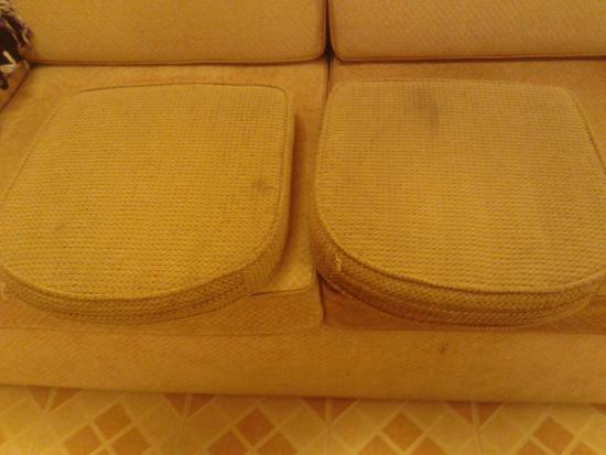 Samui Palm Beach Resort & Hotel : Dreckige Stuhlauflagen