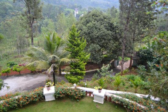 Chithirapuram Palace: Hotel Entrance
