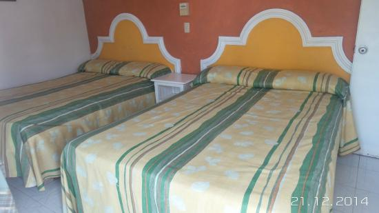 Bungalows Robles: 2 full beds. 2 camas matrimoniales