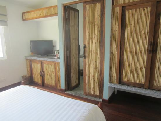 The Sangkum Hotel: Room