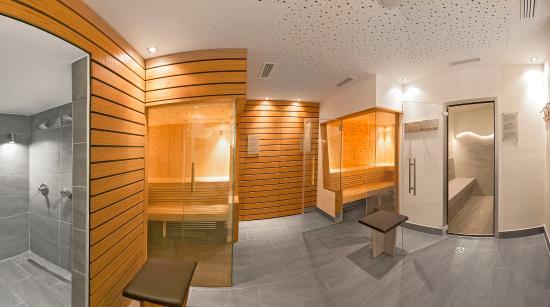 Alpine City Wellness Hotel Dominik: area saune