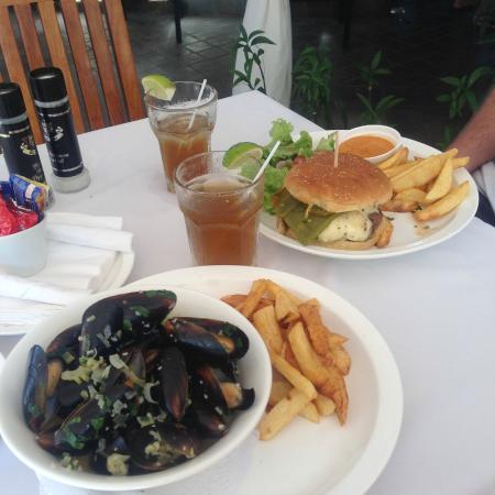 Langosta Beach Club : Grandma's Mussels