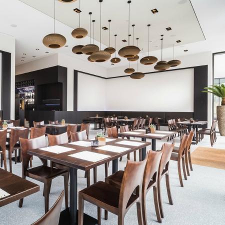 Lux - Barkultur und Grillkunst: Restaurantbereich