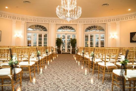 Berkeley Oceanfront Hotel Oval Room