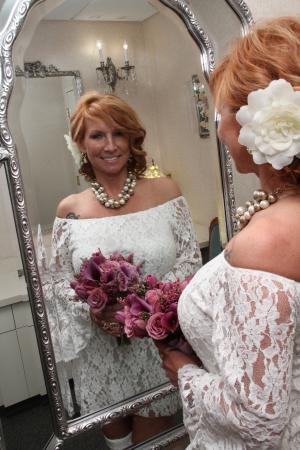 Paris Las Vegas Wedding Chapel: we still have a few nice usual wedding shots