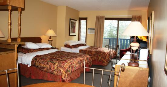 Lake Okanagan Resort: Studio Suite (2queen beds)