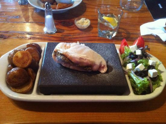Mt Lyford Lodge: Stuffed chicken breast