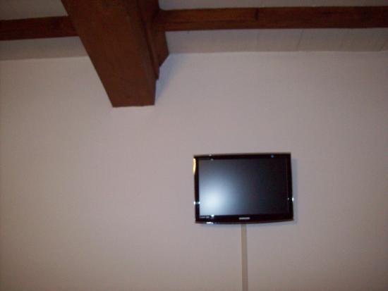 Albergo Ristorante Gualtieri : Camere con T.V. schermo piatto