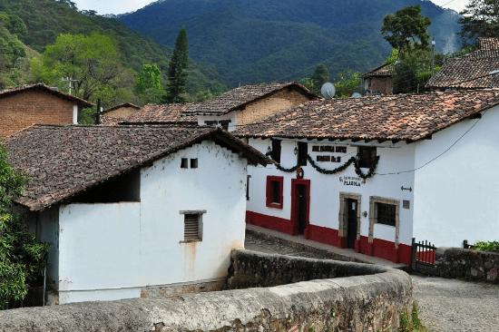 Puerto Vallarta Discovery - Day Tours : Adobe Houses