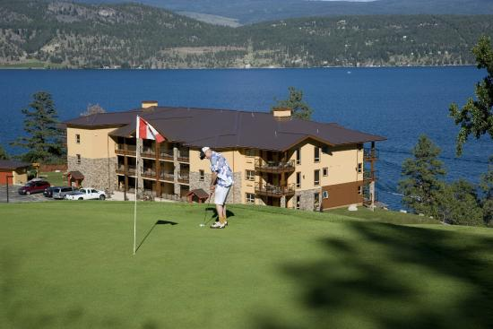 Lake Okanagan Resort: View of Pointe Beach Villas from Golf Course