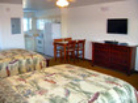 Shore Stay Suites: 2 Queen Suite
