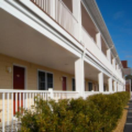 Shore Stay Suites: Front Property View