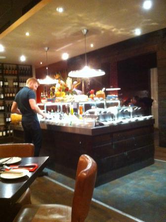 Fazenda Rodizio Bar & Grill: Hors d'oeuvre Island