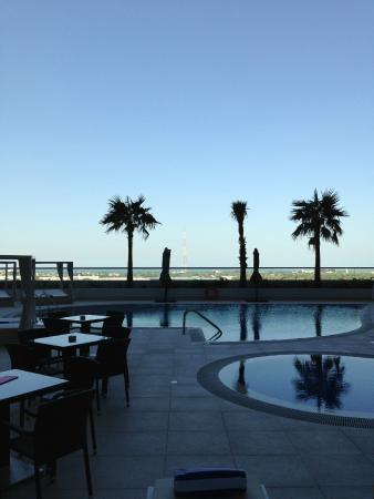 Novotel Dubai Al Barsha: View from the pool