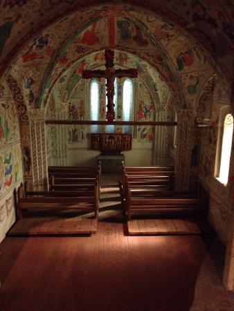 Medieval Museum: Maquette d'une église typique du moyen âge.