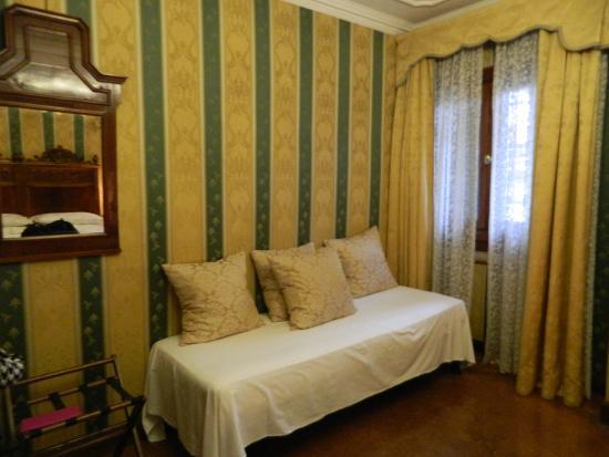 Palazzo Bembo : sofa