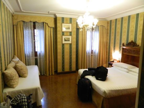 Palazzo Bembo : bed
