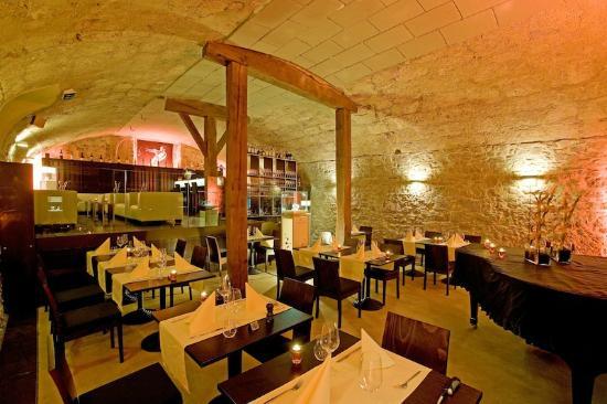 Caveau du Sommelier: 300-Jähriger Gewölbekeller