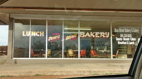 The Upper Crust Bakery/Main Street Eatery