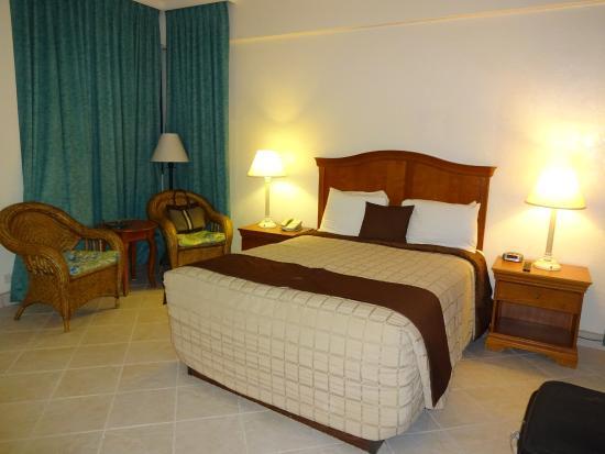 Golden Strand Ocean Villa Resort: Habitación