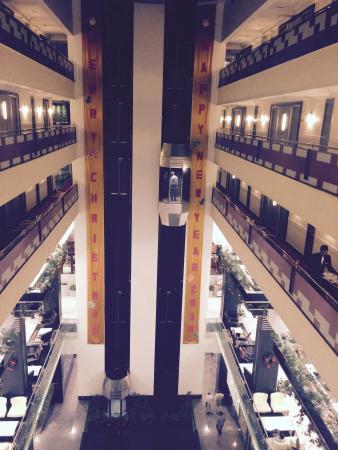 Le Meridien Bangalore : Elevators