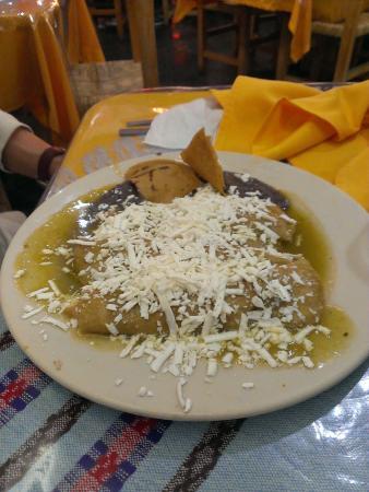 La Bella Lula: Enchiladas verdes