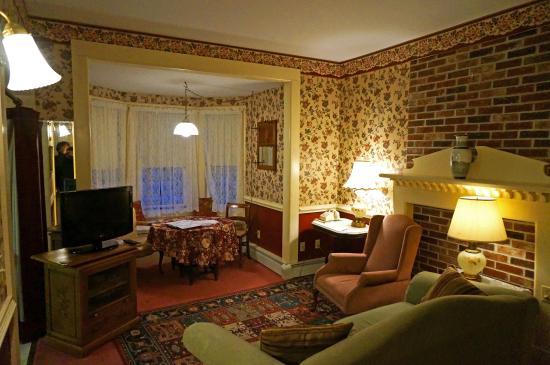 Mira Monte Inn : Living Room