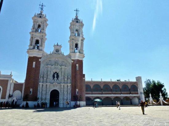 Basilica de Nuestra Senora de Ocotlan: Front