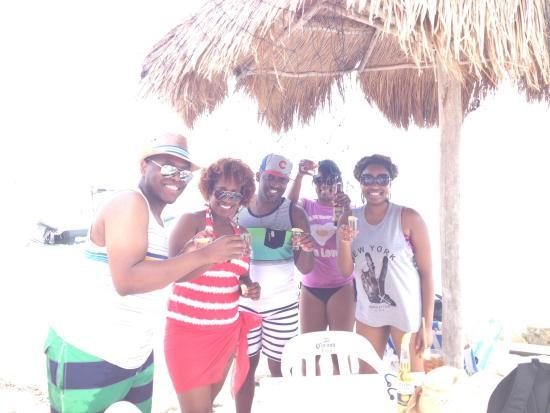 Maya Bar. Mahahual Beach!
