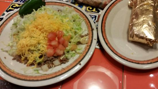 Rosa's Cafe and Tortilla Factory: Tostada and Burrito