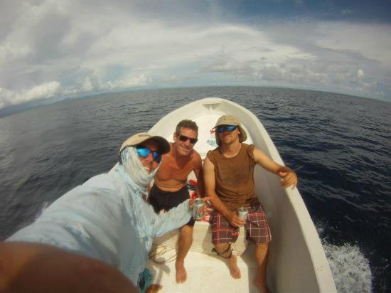 Gigante Bay: heading to fishing grounds