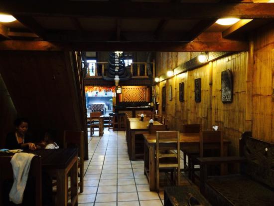 Cafe Aras: Interior